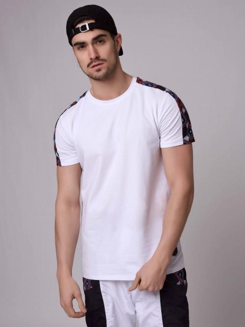 49a16c36e066 T-shirt manches courtes avec bande motif Wax