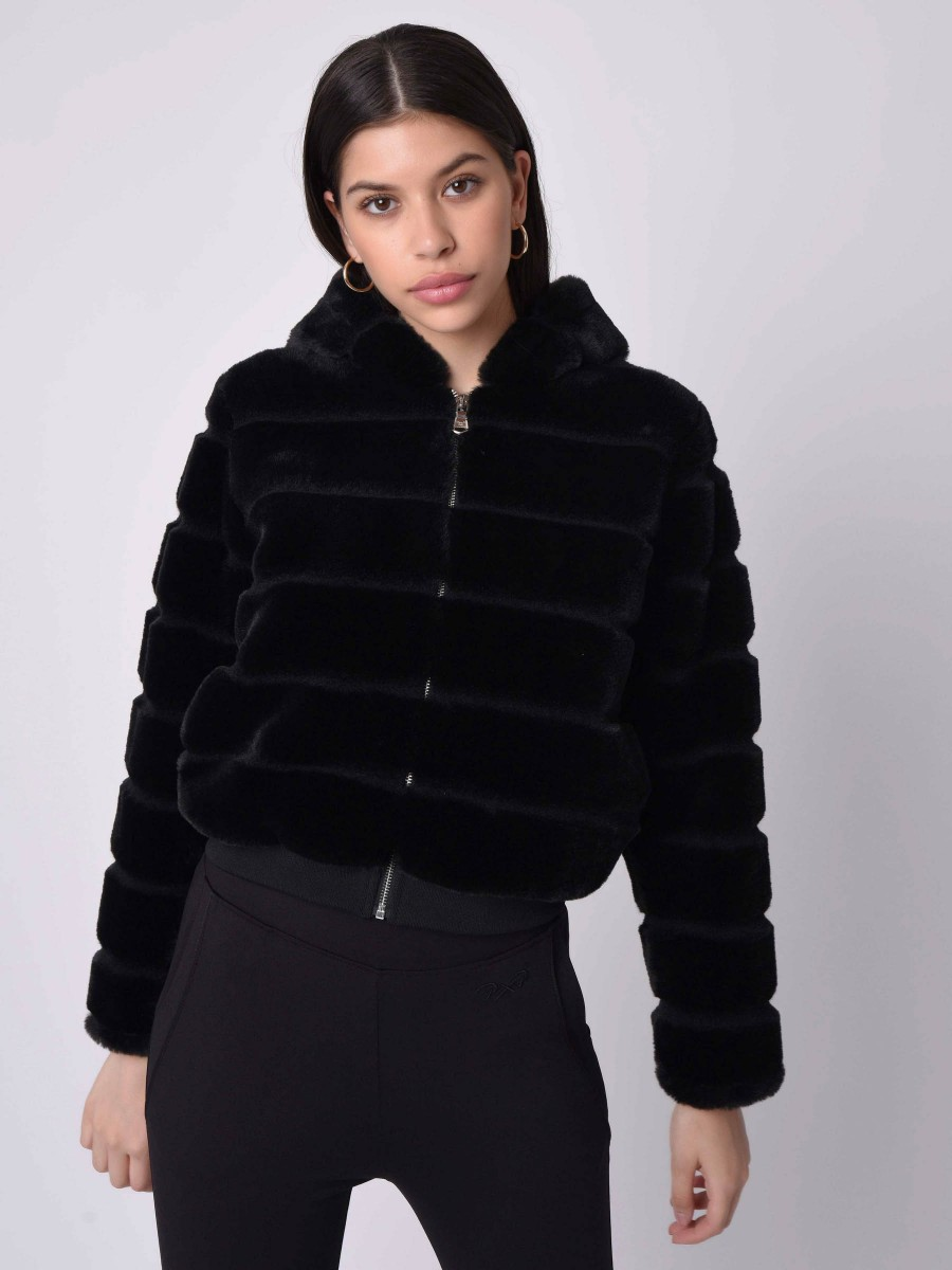 Short Hooded  Jacket with faux fur