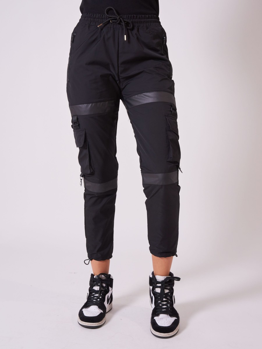 Jogger with black transparent band