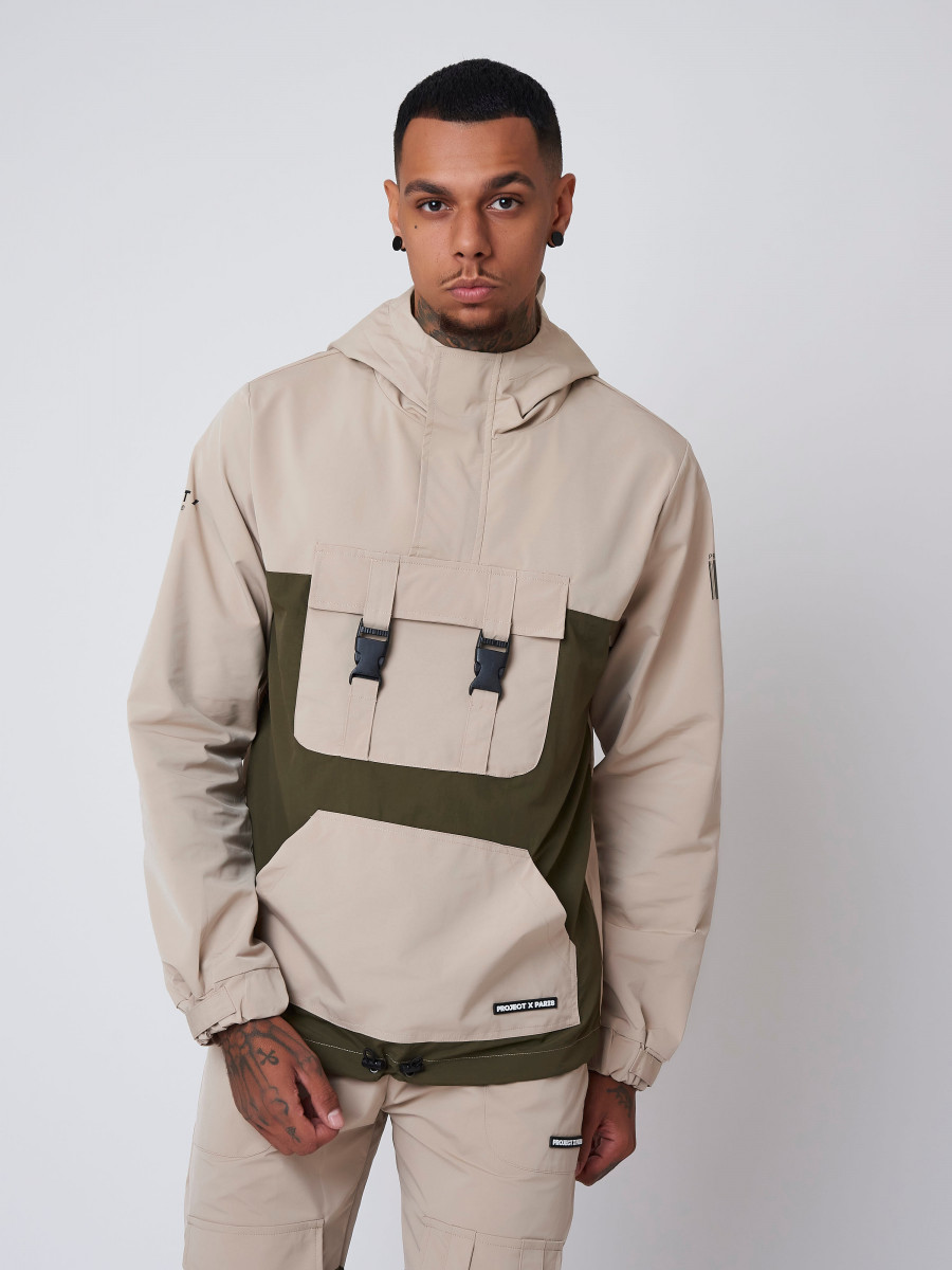 Hooded windbreaker with Clips