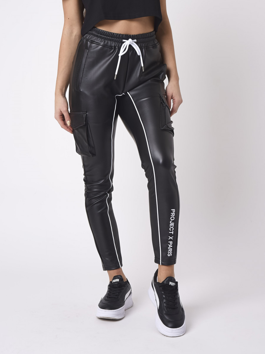 Contrast piping Jogger with Leather style