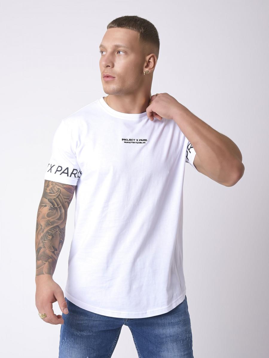 Basic T-shirt with Logo on sleeves