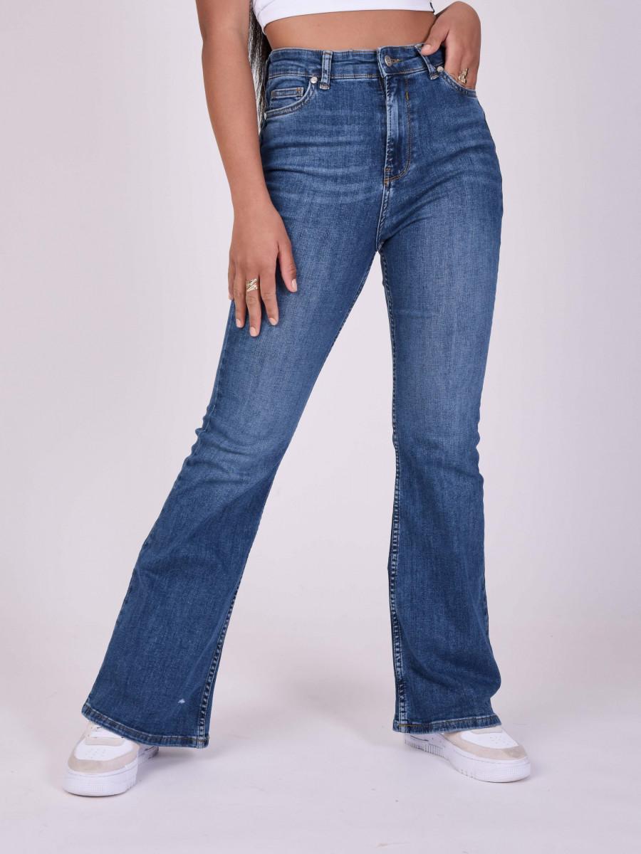 Basic Flare Jean